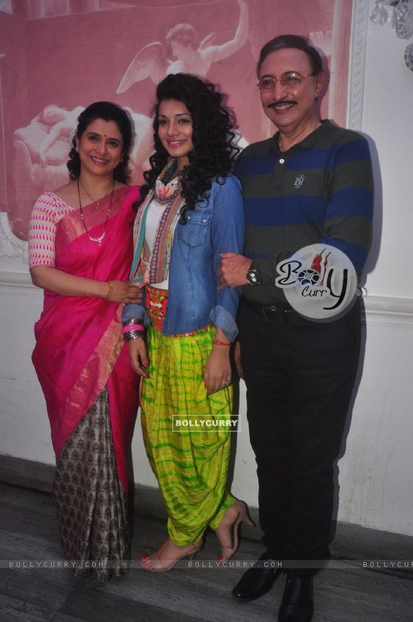 Supriya Pilgaonkar, Sukirti Kandpal and Anang Desai