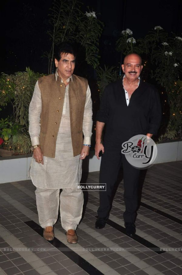 Jeetendra and Rakesh Roshan at Success Bash of Mary Kom (364910)