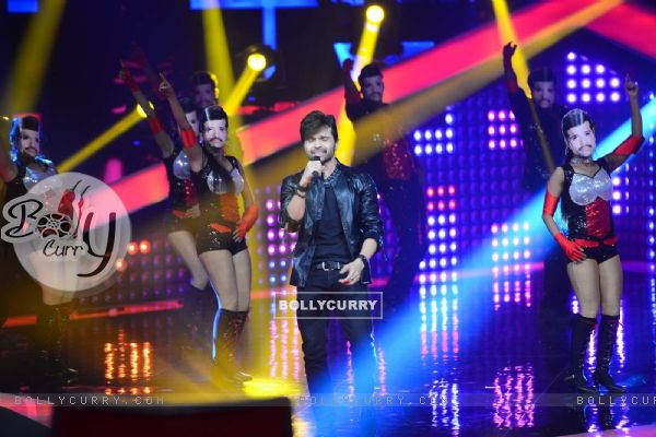 Himesh Reshammiya Performs at Voice India Launch