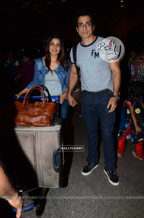 Sonu Sood poses for the media at Airport while leaving for IIFA 2015