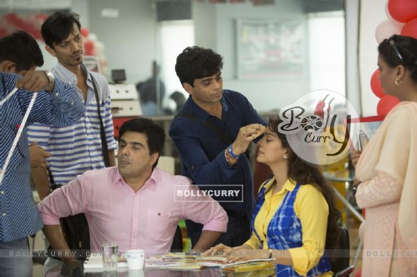 Juhi Chawla and Samir Soni Snapped on the Sets!