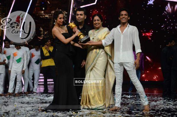 Winner of Indias Got Talent 6 - Manik Paul!