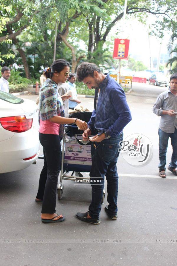 Mugdha Godse and Rahul Dev Snapped at Airport
