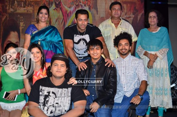 Salman, Renuka Shahane, Mahesh Manjrekar and Usha Nadkarni at Promotions of Marathi Movie 'Janiva'