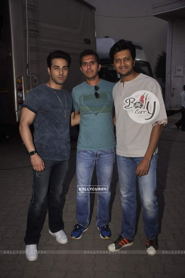 Riteish, Ritesh Sidhwani and Pulkit Samrat for Bangistan Shoot