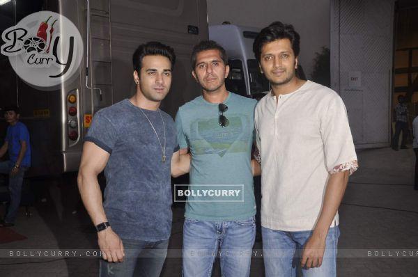Riteish, Ritesh Sidhwani and Pulkit Samrat for Bangistan Shoot
