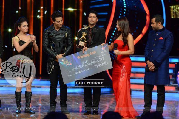 Amruta Khanvilkar and Himmanshoo A Malhotra declared Winners of Nach Baliye 7