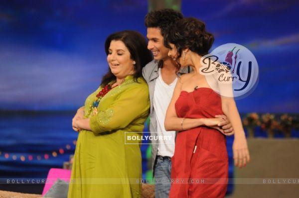 Shahid Kapoor with Genelia Dsouza and Farah Khan