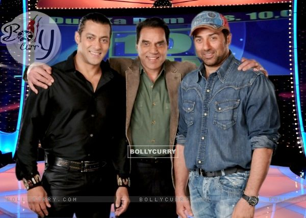 Salman Khan with Dharmendra and Sunny Deol