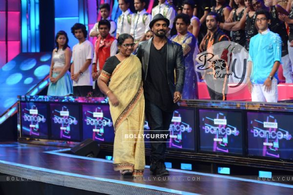 Remo Dsouza With His Mother on Dance Plus