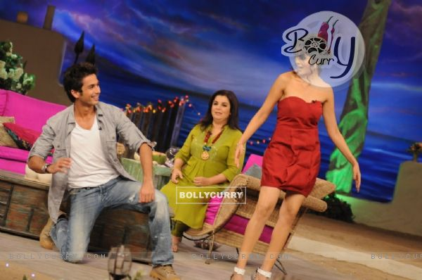 Shahid Kapoor dancing with Genelia Dsouza