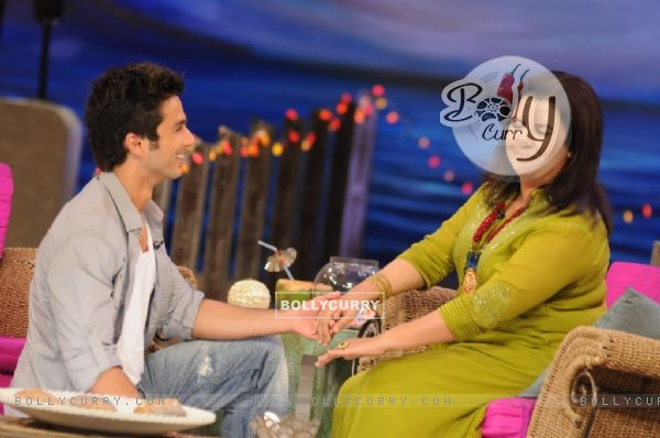 Shahid Kapoor proposing Farah Khan