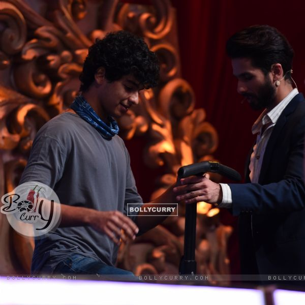 Shahid Kapoor's Brother Ishaan at Jhalak Dikhla Jaa 8