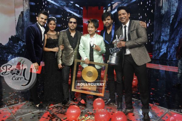 Winner of The Voice : India 'Paqwandeep Rajan' with Judges and Host