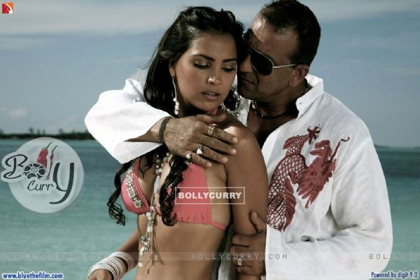 Hot scene of Lara and Sanjay