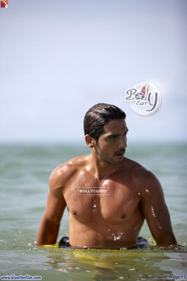 Zayed Khan looking hot (37815)