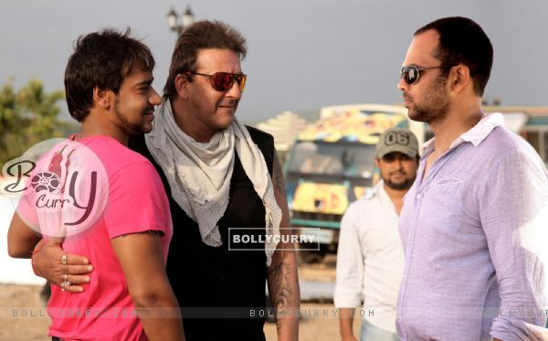 A still image of Sanjay Dutt and Ajay Devgan