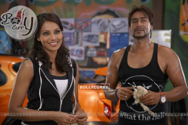 Ajay Devgan and Bipasha Basu