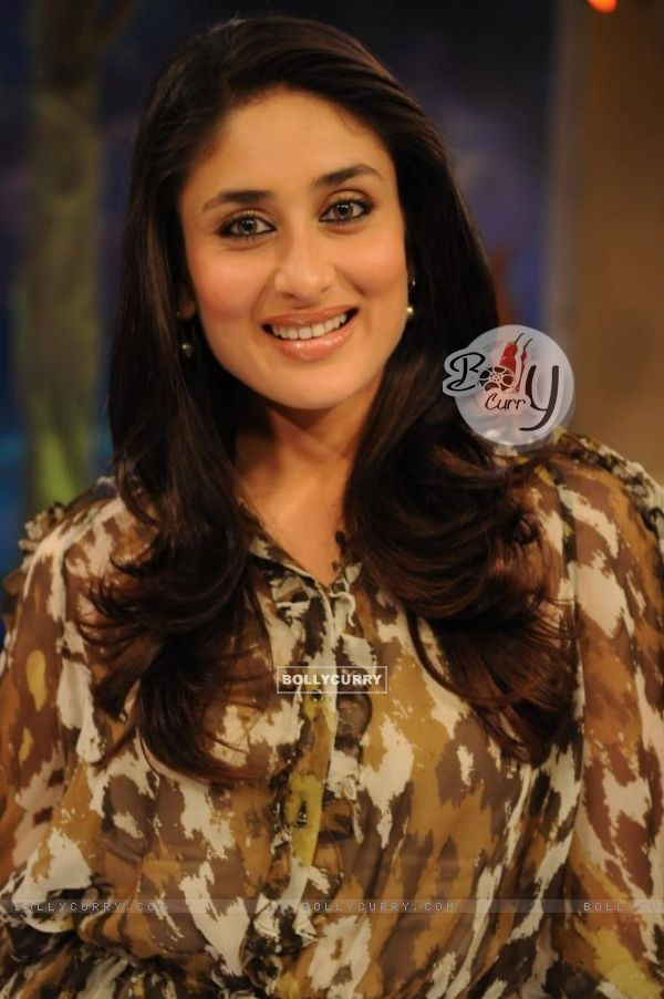 Kareena Kapoor in the show Tere Mere Beach Mein