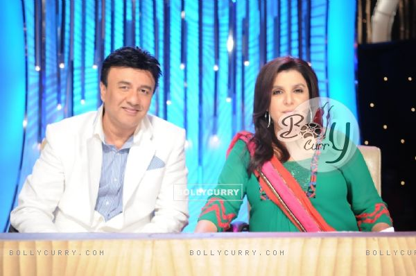 Farah Khan and Anu Malik as a judge