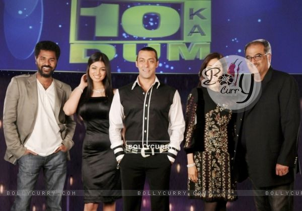 Salman Khan with Sridevi, Boney Kapoor, Prabhu Deva and Ayesha Takia