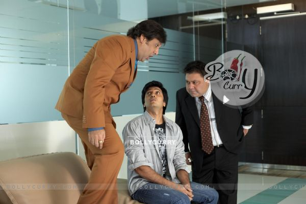 A still image of Govinda, Ritesh and Manoj