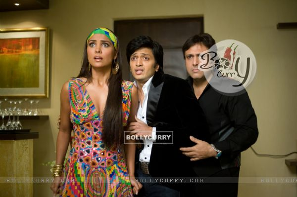 Govinda, Lara and Ritesh looking shocked