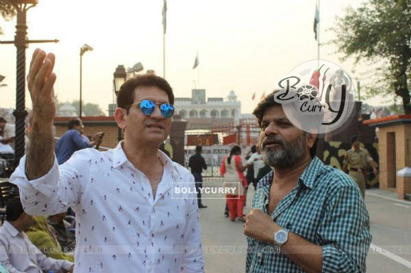 Omung Kumar Visits Wagah Border for Research for His Sarabjit Singh Biopic (381619)