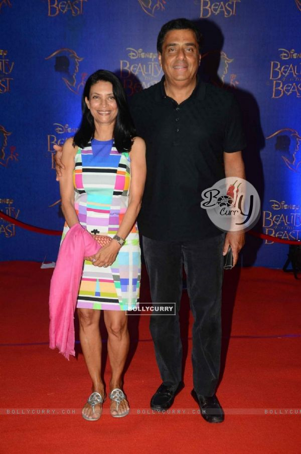 Ronnie Screwvala with his Wife at Screening of Beauty and The Beast