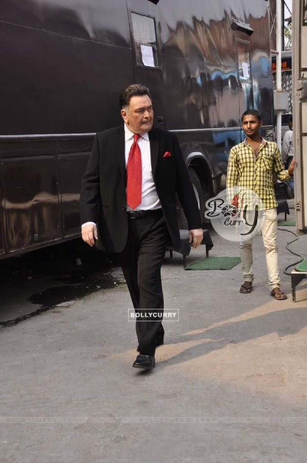 Rishi Kapoor on Set of Chalk N Duster (382165)