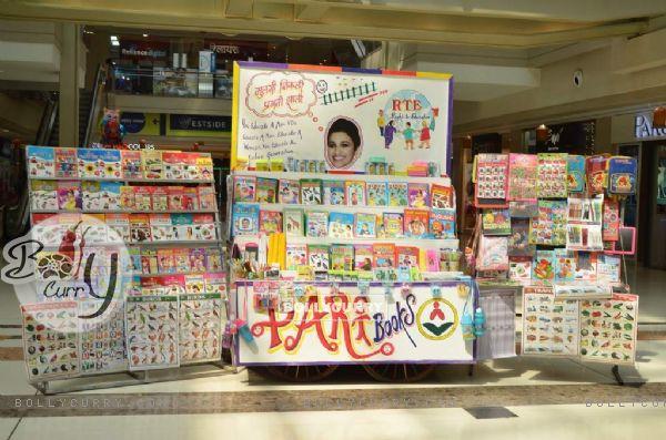 Parineeti  Chopra Distributes Books to Underprivileged Kids at Mall in Thane