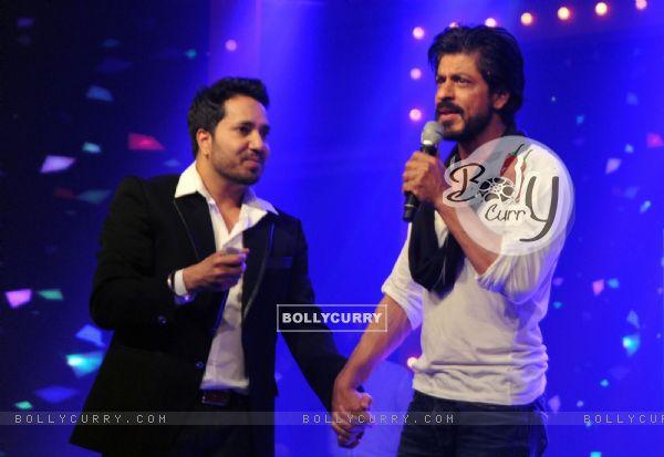 Mika Singh at Shah Rukh Khan's Birthday Celebration