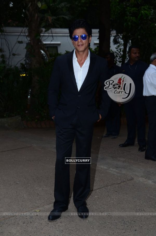 Shah Rukh Khan Snapped at Mehboob