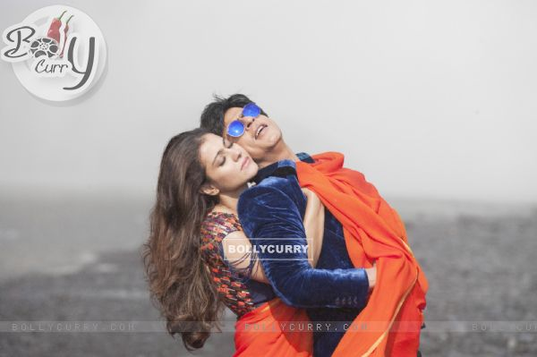 Still from the song Gerua (Dilwale - 2015)