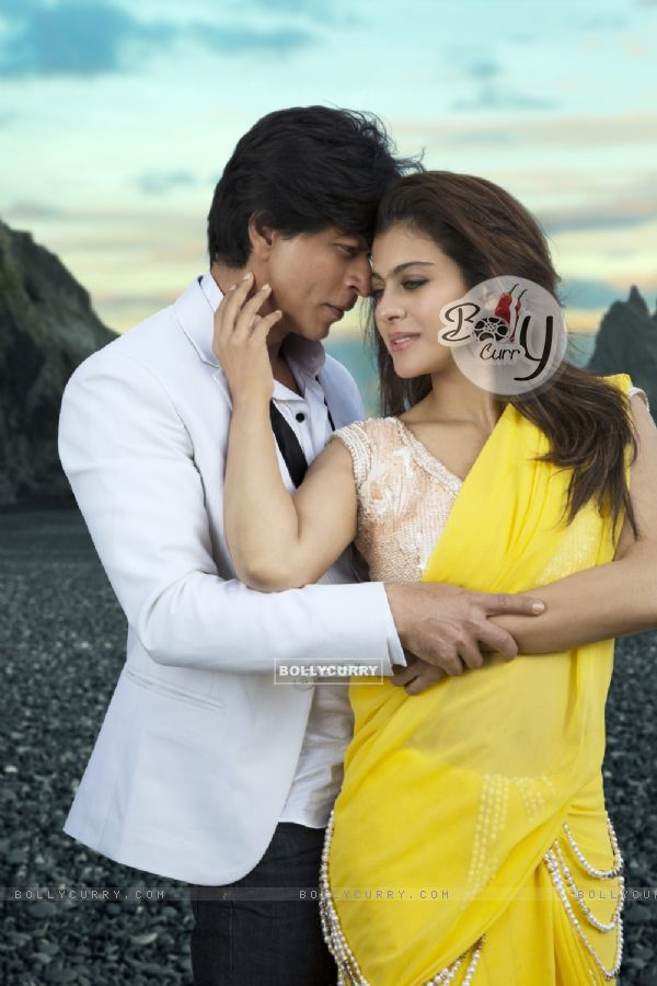 Shahrukh Khan and Kajol as seen in the song Gerua (384840)