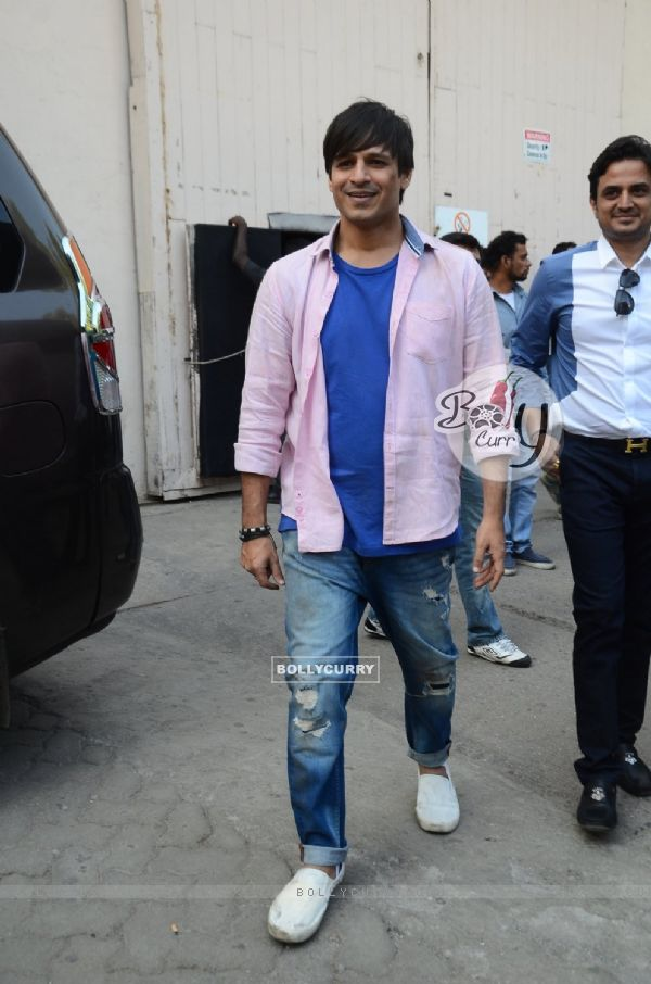 Vivek Oberoi Snapped on the Sets of Great Grand Masti