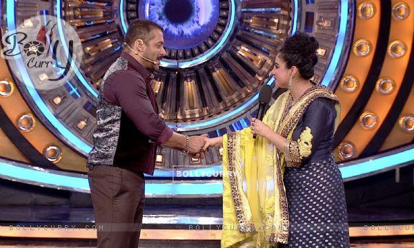 Priya Malik Enters Bigg Boss 9- Double Trouble