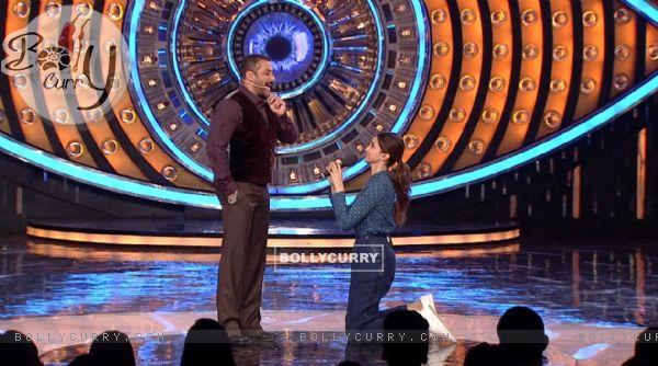 Deepika Padukone Proposes Salman Khan on Bigg Boss 9- Double Trouble
