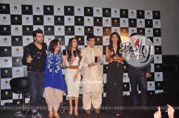 Manish, Farah, Malaika, Jeetendra, Shilpa and Raj Kundra at Launch of Viaan Mobiles