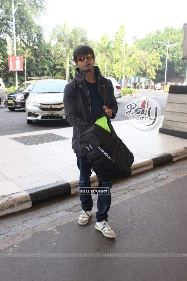 Karan Singh Grover snapped at Airport