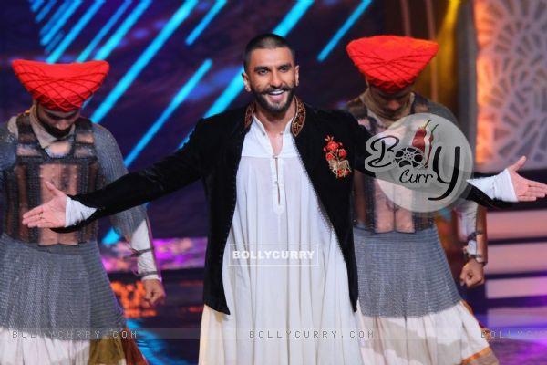 Ranveer Singh at 'Aaj Ki Raat Hai Zindagi' Show