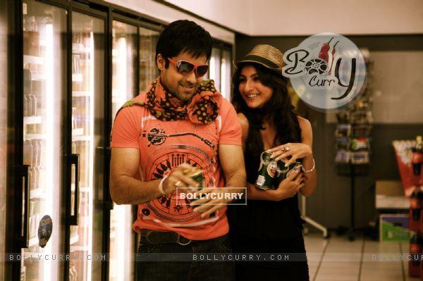 Emraan Hashmi and Soha Ali Khan in party mood