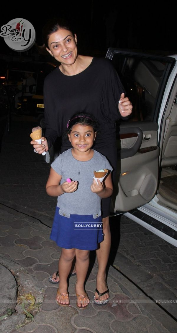 Sushmita Sen out for Ice- Cream with Daughter