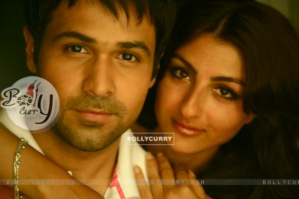 Emraan Hashmi and Soha Ali Khan in Tum Mile movie