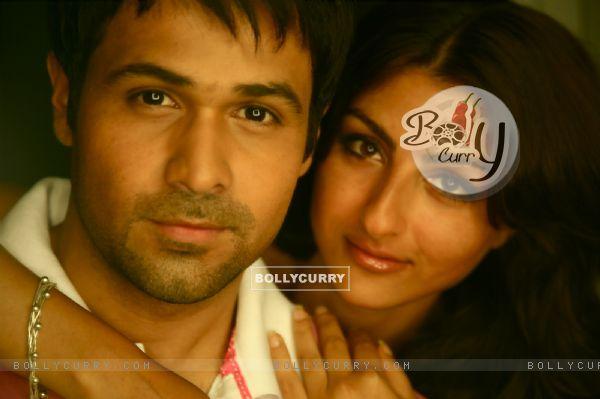 Emraan Hashmi and Soha Ali Khan in Tum Mile movie