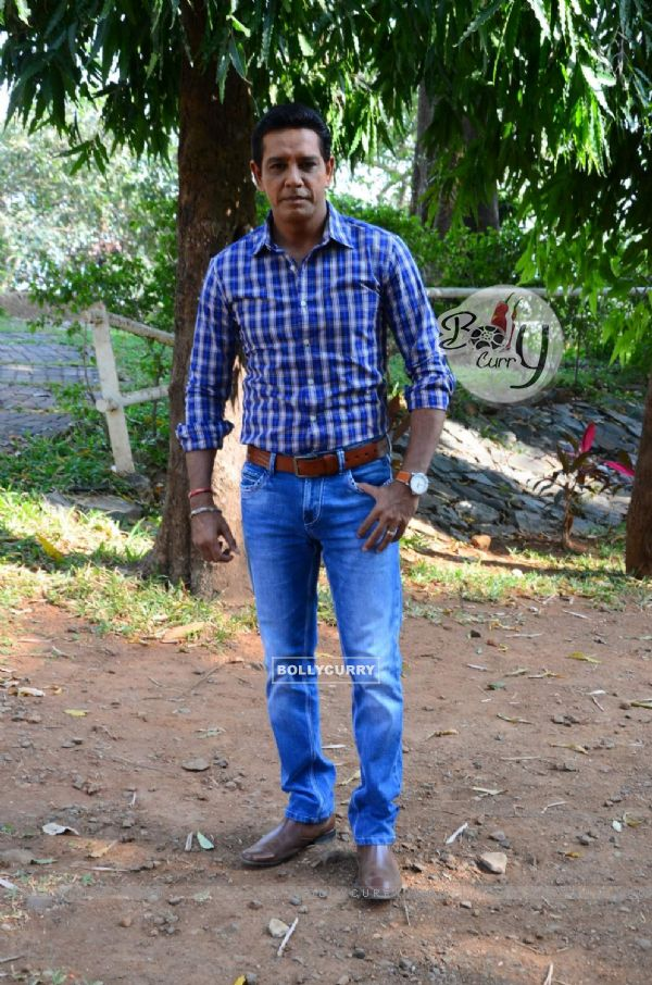 Anup Soni on location of Crime Patrol (386381)