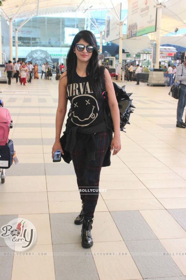Shruti Haasan Snapped at Airport