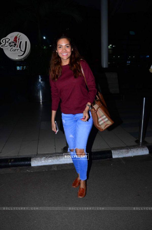 Esha Gupta Snapped at Airport