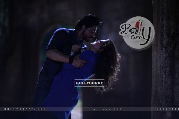 Shah Rukh Khan and Kajol - A Still from Dilwale