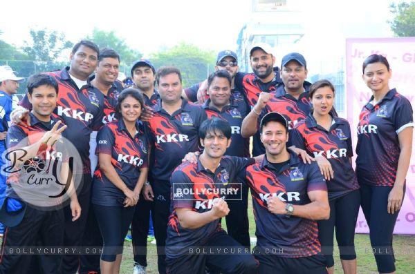 Rajneesh Duggal and Hiten Tejwani Snapped at JPPL Cricket League Match